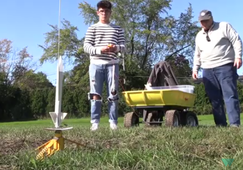 Students Launch Rockets in Aerospace Engineering Course