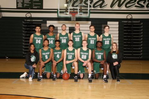 The 2019-2020 Wauwatosa West Boys Varsity Basketball team.