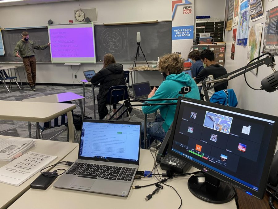 Christopher Lazarski teaches his AP Seminar class on the last day of concurrent learning Feb. 26, 2021. He along with the rest of the Wauwatosa community is preparing to go back 5 days on March 2, 2021.